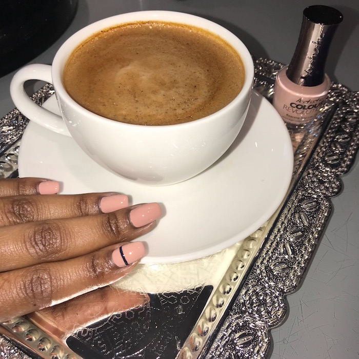 Manicure in Vauxhall and Nine Elms with a coffee and single black line