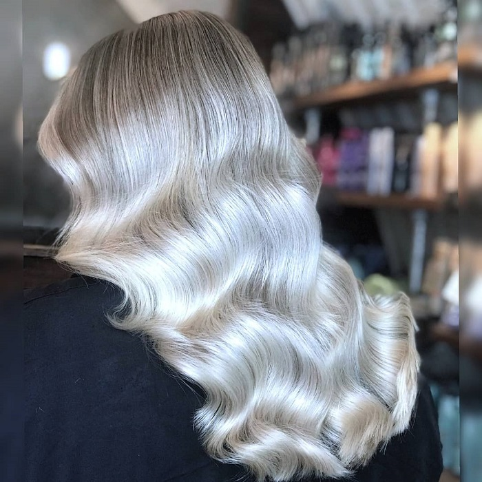 blonde waves at clapham north salon