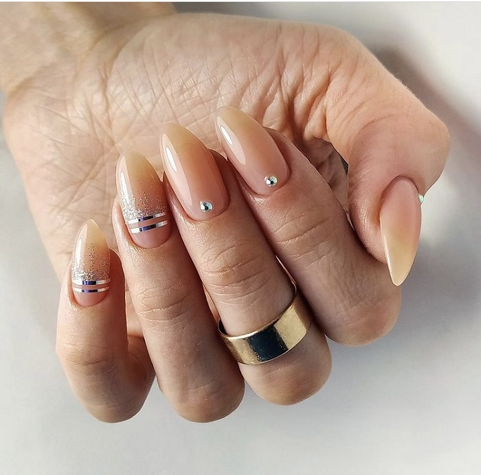 rhinestones on nails is a new trend at Live True London