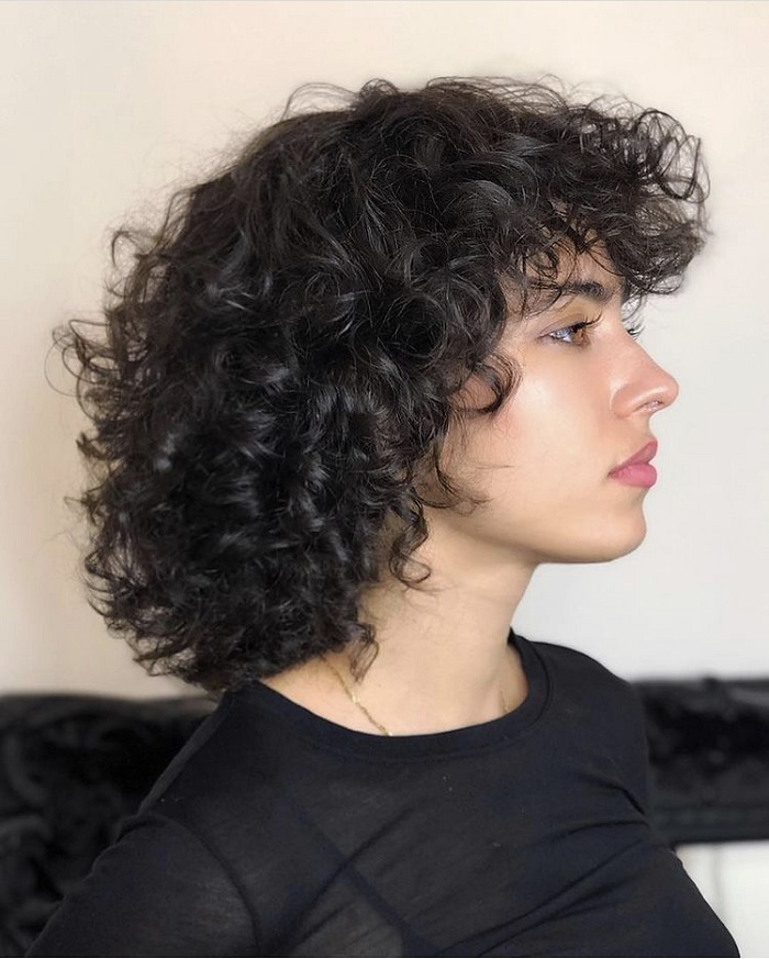 curly hair with layers cut