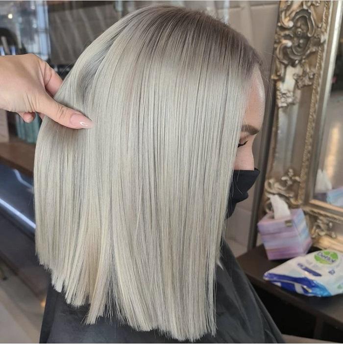 full blonde highlights at the Clapham salon