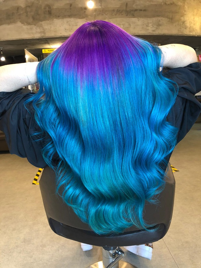 mermaid hair with waves and vivid colour